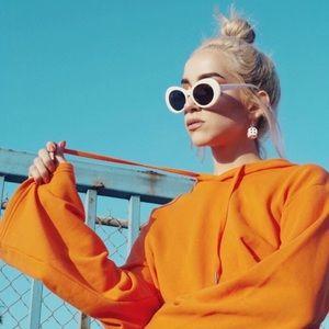 Accessories - 🔥NEW Retro White Oval dark lens sunglasses!